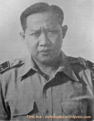 Letnan Kolonel Eddie Soekardi, Komandan Resimen III TKR Sukabumi.