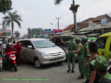 Kemacetan akibat karnaval